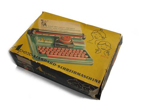 Apex Standard typewriter