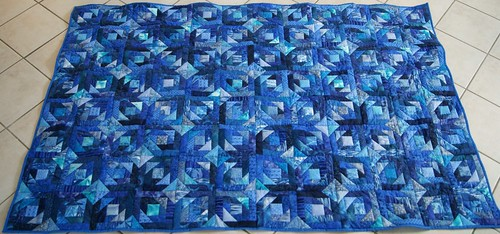 Blue Pine-Apple-Quilt