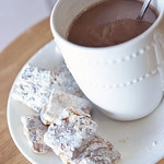 caramel-marshmallow-hot-chocolate-imtopsyturvy.com