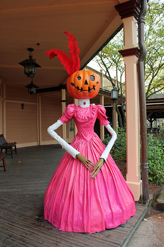 pink pumpkin lady