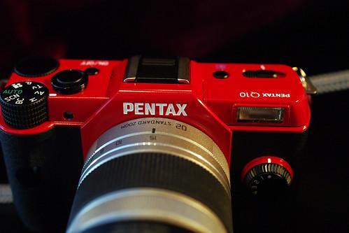 PENTAX-Q10-04red