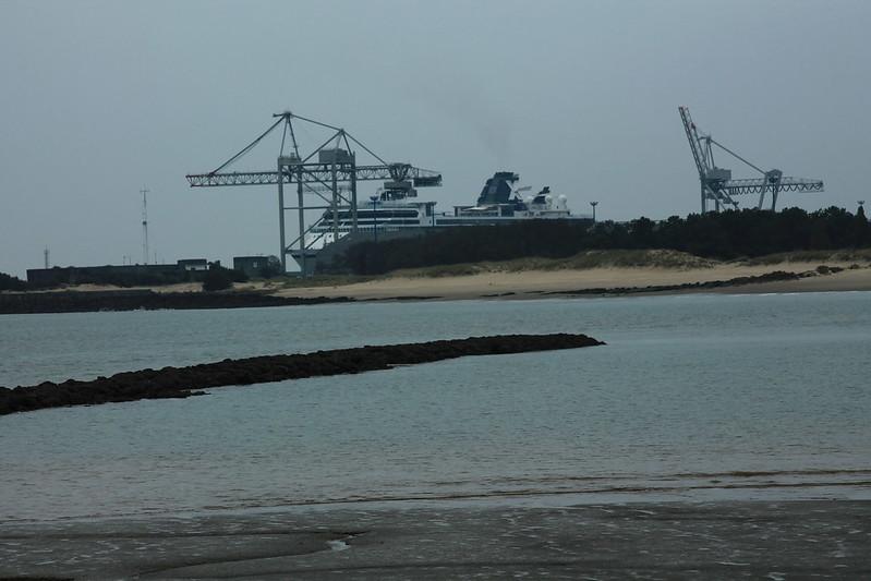 Depuis Port-Médoc - Paquebot Celebrity Constellation au Port de Bordeaux / Le Verdon - 06 octobre 2012