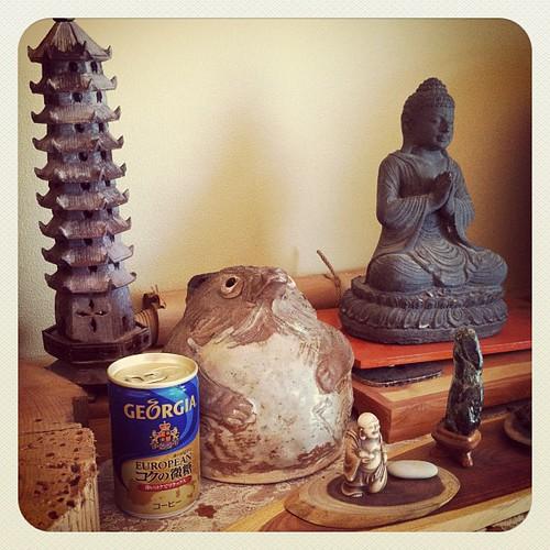 月輪寺のご住職がジョージアをくれました。死んだおじいちゃんの好きだった缶コーヒーです