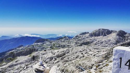 20160825 Canin e contrafforti della Val Resia #loves_friuliveneziagiulia #montagna #mountains #montagne #ig_friuli_vg #igers_friuliveneziagiulia #ig_friuliveneziagiulia #friuliveneziagiulia #openair #alpinismo #sentiero #landscape #panorama #gray #outdoor