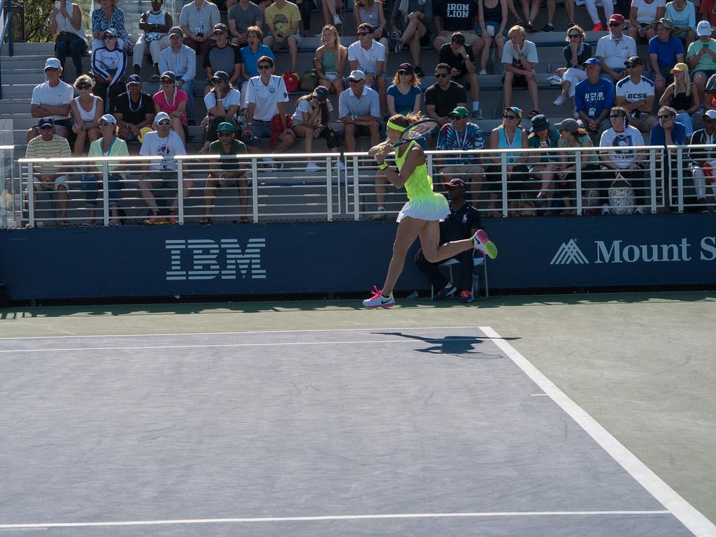 Safarova forehand