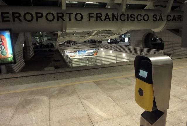Metrô Porto - Saindo do Aeroporto do Porto