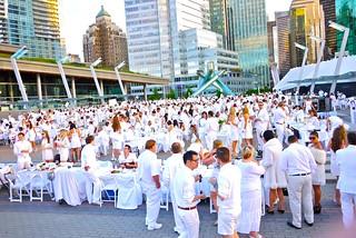 Dîner en Blanc Vancouver 2012 | Jack Poole Plaza