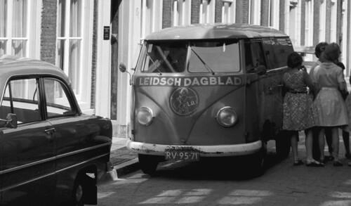 "RV-95-71 Volkswagen Transporter ""Leidsch Dagblad"""