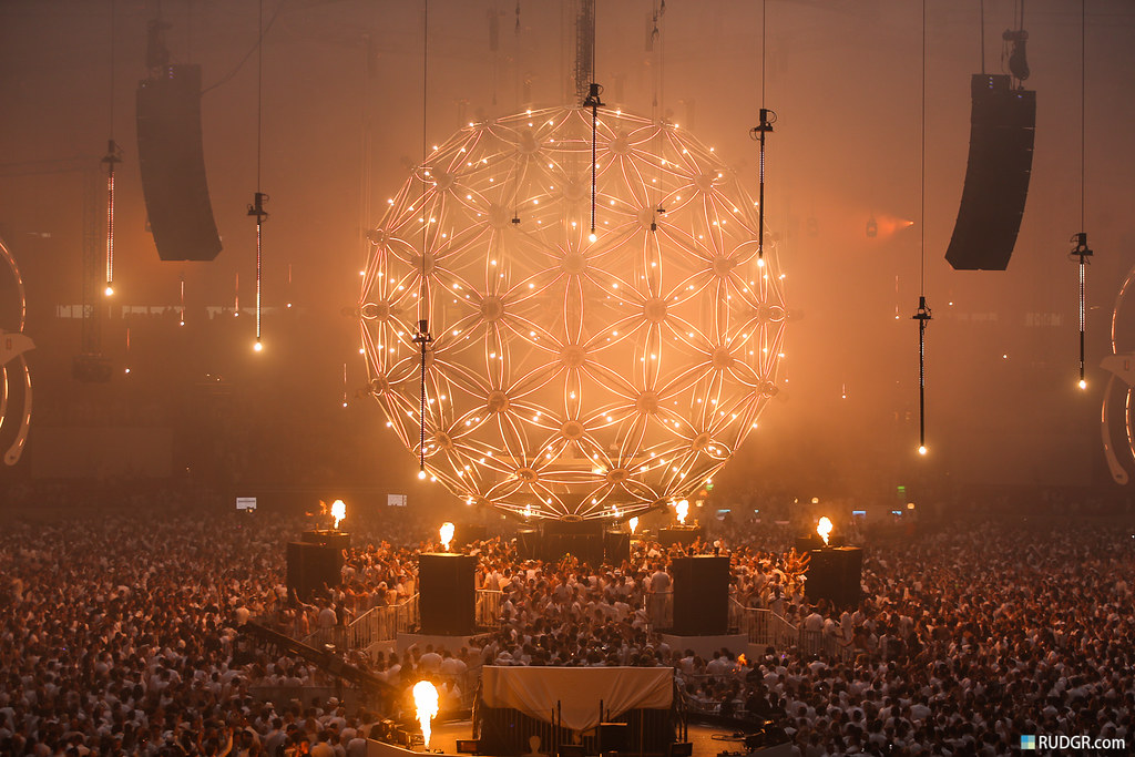 "Sensation ""Source of Light"" World Premiere."