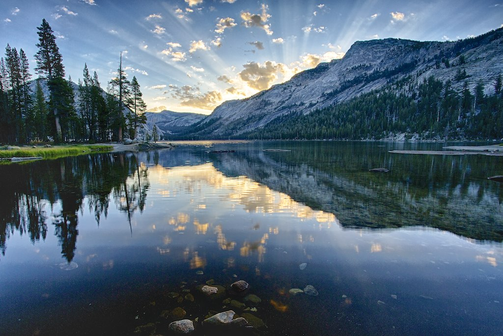 Yosemite National Park, Tioga Pass Rd, California, USA ...