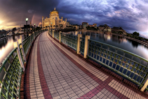 bridge sunset sky water clouds canon river gold rainbow skies lagoon mosque fisheye tiles walkway dome brunei hdr manfrotto bandarseribegawan 50d 055prob 815mm
