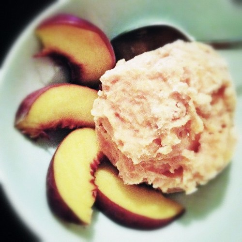 Peach frozen yogurt (from @davidlebovitz's Perfect Scoop).