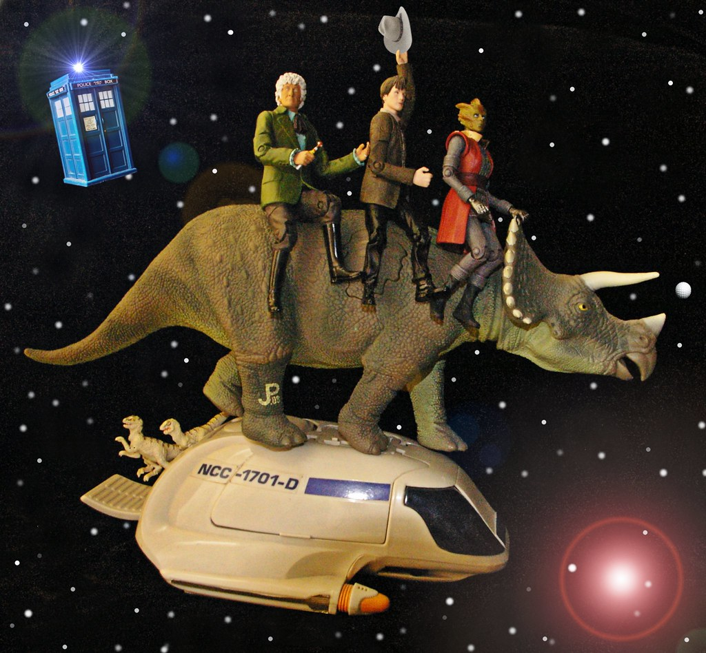 ZERO-G REVIEWS: DOCTOR WHO - SEASON SEVEN: EPISODE TWO - DINOSAURS ON A SPACESHIP