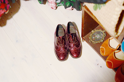 sensible shoes red brogues