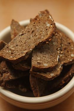bread for white bean dip