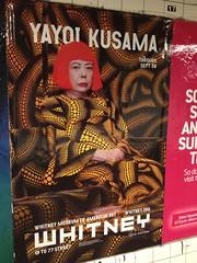 金, 2012-07-20 18:02 - Elmhurst駅にあった草間弥生展ポスター