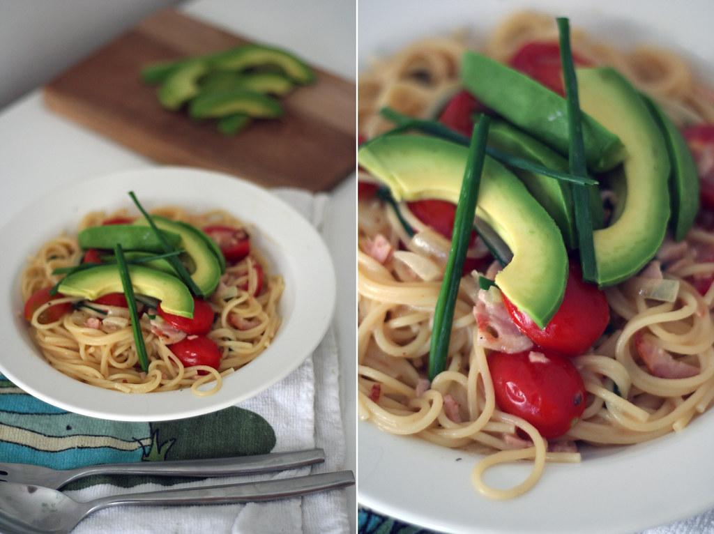 zitronennudeln mit avocado & kümmelbraten