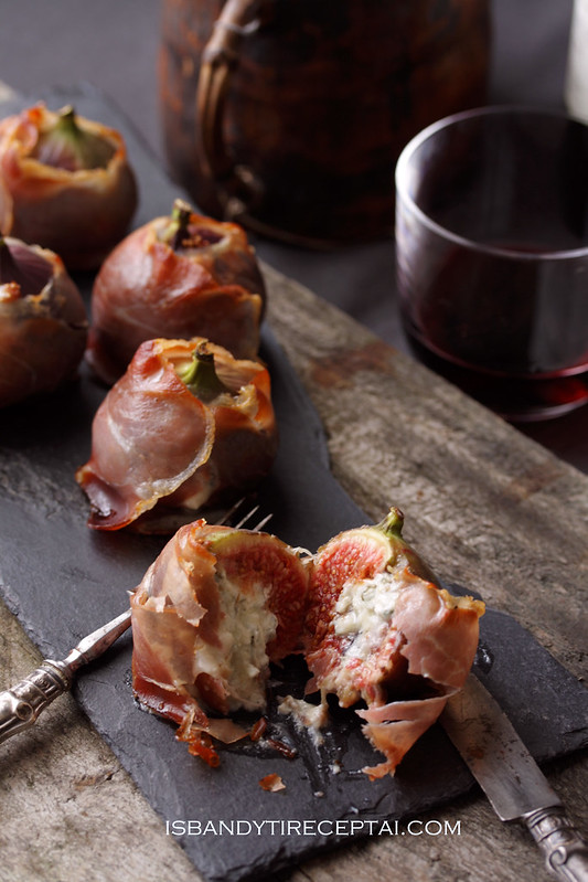 Figs with gorgonzola and speck