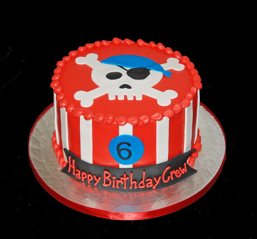 6th birthday pirate skull cake