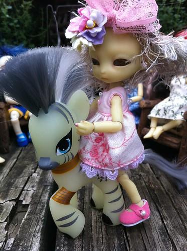 GLoW PonY GloW! by DollZWize