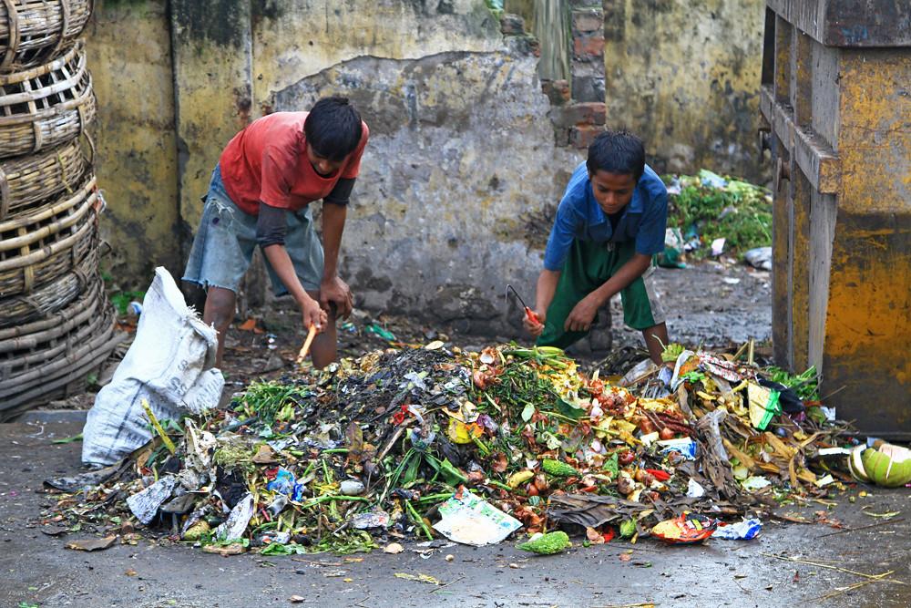 Scavenger kids in Dhaka, Bangladesh.