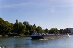 Péniche sur la Meuse