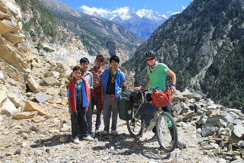 Our helpful assistants on the old Hindustan-Tibet byway