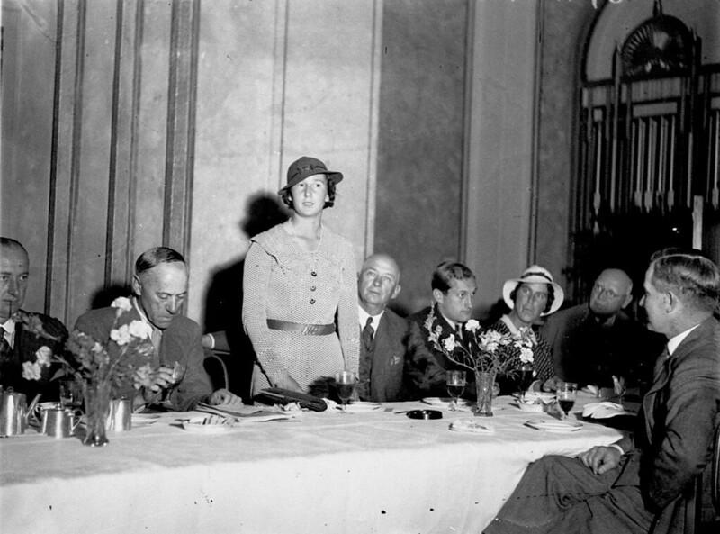Reception for the English Tennis Team, Australia Hotel, Sydney, 19 November 1934 / photographer Sam Hood