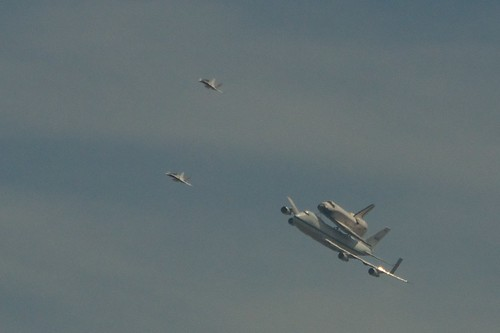 spaceshuttle endeavor flyover of burbank