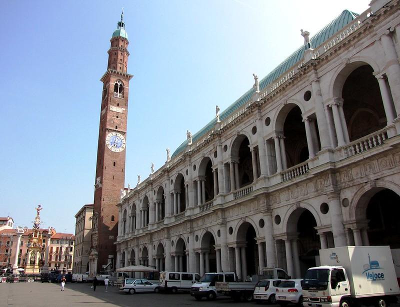 Basilica Palladiana, Vicenza, Italy - SpottingHistory.com