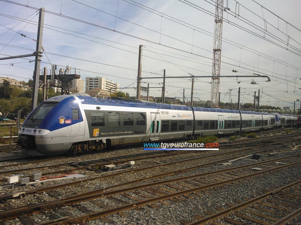 Deux rames BGC à l'entrée du faisceau de voies du dépôt de Marseille-Blancarde