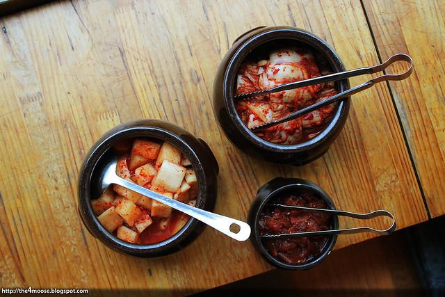 연포갈비 - Kimchi