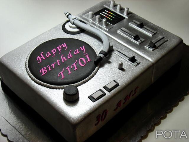 "gâteau ""platine dj"" - torta za dj-a - les gâteaux de pota"