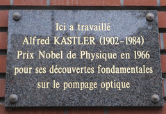 Photo of Alfred Kastler grey plaque