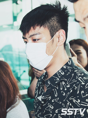 BIGBANG Incheon Airport to Shanghai Press 2015-06-19 090
