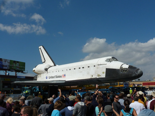 Crowd viewing the shuttle in Westchester