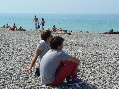 paul et clem sur la plage.jpg