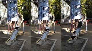 恵比寿公園のロケットすべり台、追いかける (2012/10/21)