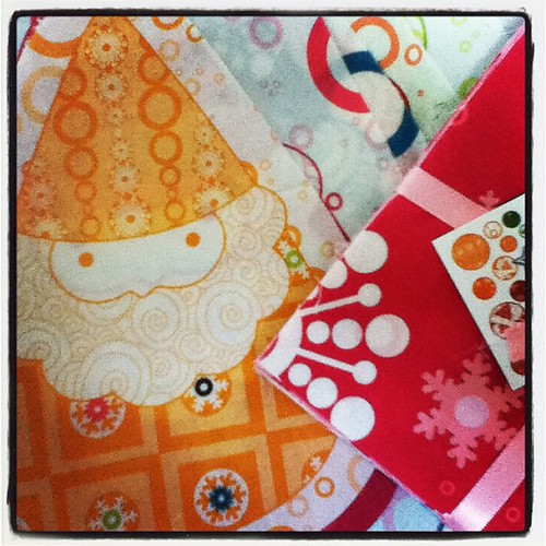 @happy_zombie my Gnomas arrived. #winterkist #funmailday #fabric
