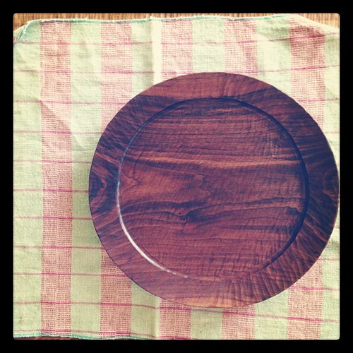 大きなリム皿。