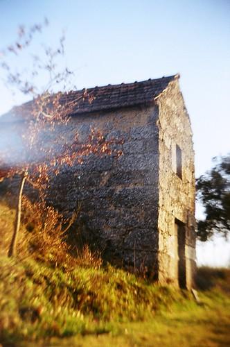 santa old house portugal 35mm landscape diy reflex lomo lomography dao scd waterscape twinlens comba dão dã£o recesky