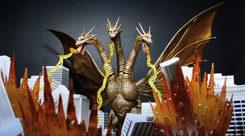 King Ghidorah (S.H.Monster Arts)