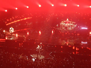muse on stage - red light
