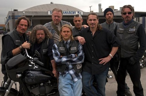 SAMCRO-sons-of-anarchy-10889046-604-401
