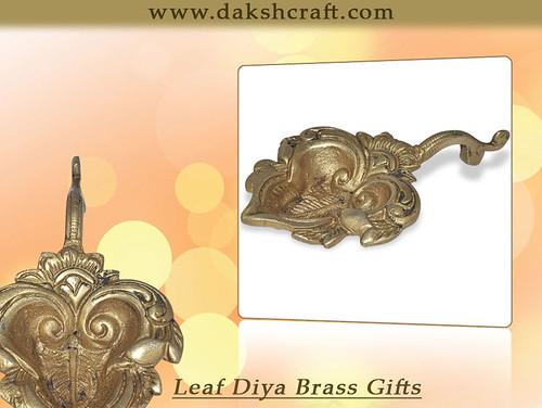 Leaf Diya Brass Gifts