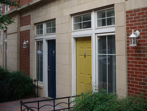 Private Entrances To Market Common Apartments (cropped)