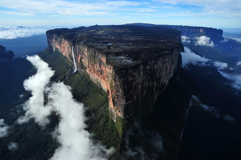 MONTE RORAIMA - Fronteira entre Brasil, Venezuela e República da Guiana