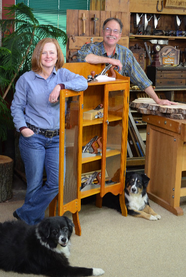 """Scott & Suzy Phillips Tackle """"Home Restorations"""" On The ..."""