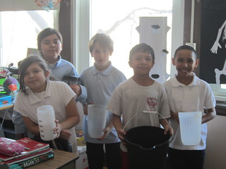 Smyser students with their aeroponics supplies. © Heidi O'Toole