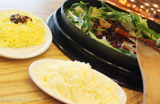 Yoogane's Marinated Chicken Galbi P285 with Mozzarella P80 and Ramen Noodles P70